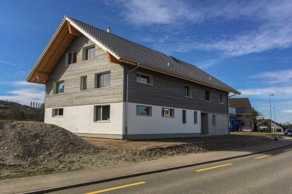 NUR HOLZ Mehrfamilienhaus Scherrer Niederglatt